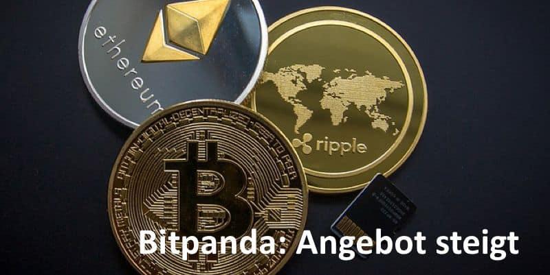 Münzen der drei Kryptowährungen Bitcoin, Ripple und Etehreum