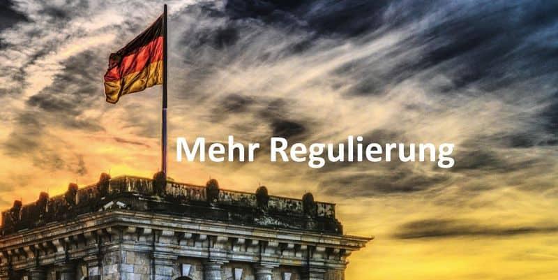 Der Bundestag mit deutscher Fahne