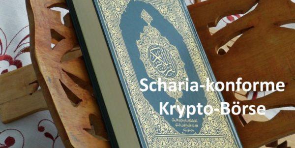 Auf einem Holzgestell liegender Koran