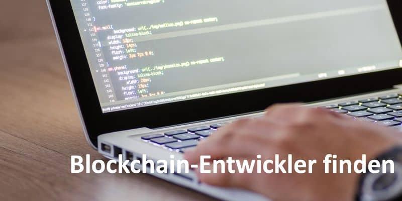 HTML und CSS Code auf Laptop-Bildschirm