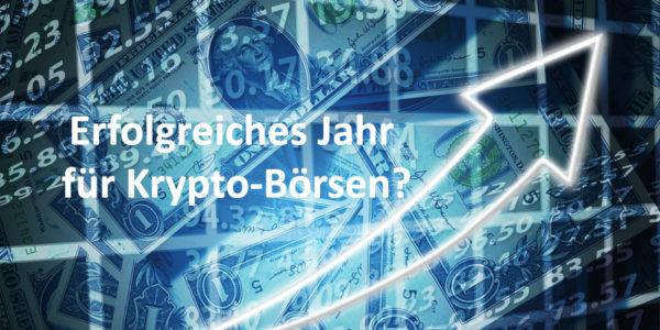 Ein nach oben zeigender Pfeil und Dollar-Scheine im Hintergrund