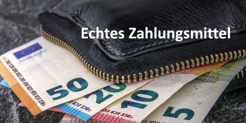 Euro-Geldscheine in Geldbeutel